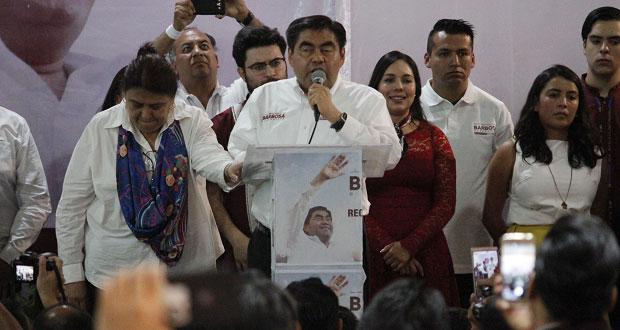 Barbosa promete dar a jóvenes 20% de espacios en su gobierno