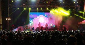 Continúa el Festival 5 de Mayo con conciertos y obras de teatro