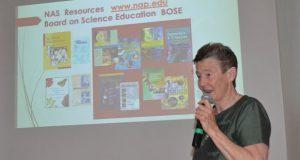 En BUAP, experta destaca importancia de enseñar ciencias en escuelas