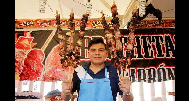 En la Feria de Puebla, degusta platillos y dulces típicos del estado