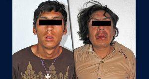 Detienen a 2 sujetos por robos a Oxxo y tienda en Puebla capital