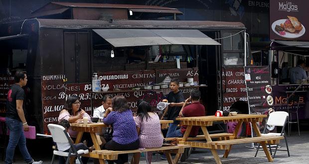 Food trucks incrementan opciones gastronómicas en Feria de Puebla