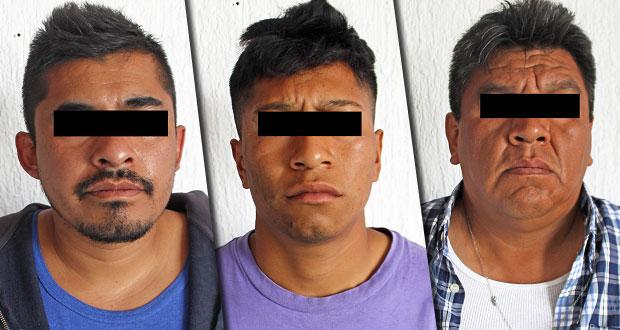 Detienen a 3 sujetos por asalto de Oxxo en Granjas de San Isidro