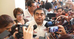 """""""Borrón y cuenta nueva"""", señala Barbosa por apoyo del consejo taxista"""