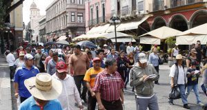 Poblanos marchan y exigen avances a 4 años y medio de Ayotzinapa