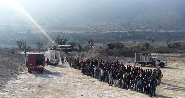 Rescatan a 155 migrantes centroamericanos en Azumbilla