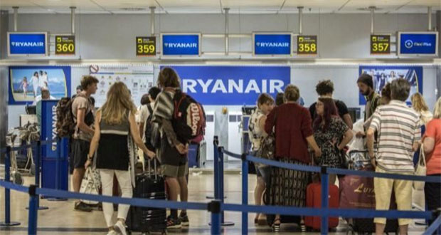 Español acuchilla a mexicana y rumano en aeropuerto de Madrid