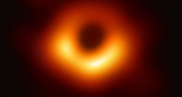 Revelan la primera foto de un agujero negro; GTM de Puebla colabora
