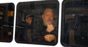 Tras 7 años, apresan en Londres a Assange, fundador de Wikileaks