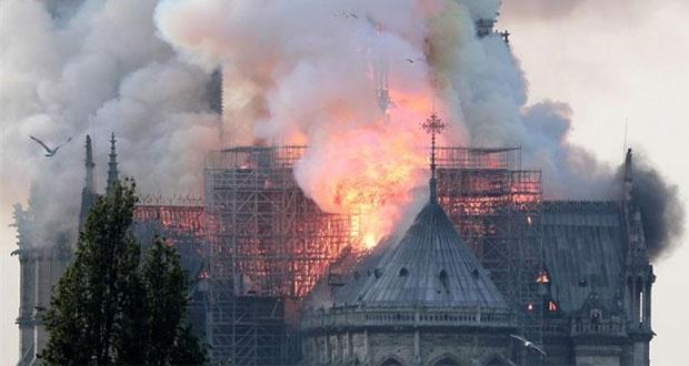 Desgracia en París: incendio daña gravemente catedral de Notre Dame