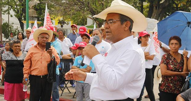 Autoridades municipales del PRI están apoyando a otro perfil, reclama Jiménez