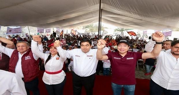 Mario Delgado llama a la unidad durante gira de Barbosa en Puebla capital