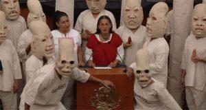 """Con """"ofrenda"""", senadoras proponen proteger y promover maíz nativo"""