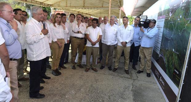 Serán socios de Tren Transístmico dueños de tierras donde pase: AMLO