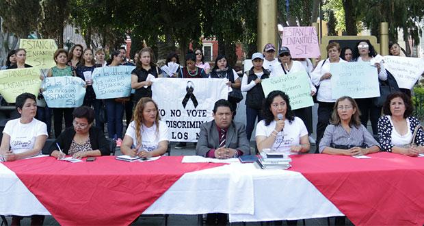 En Puebla, padres usan mal dinero que era para estancias, acusan