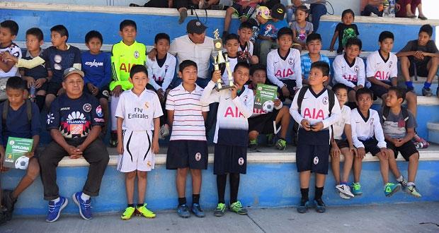 Antorcha organiza encuentro de fútbol infantil en Xochiltepec