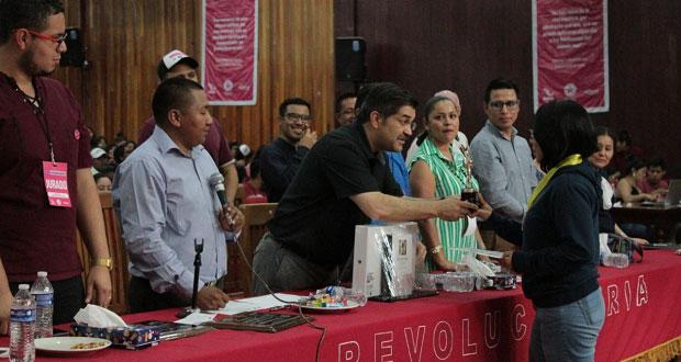 Antorcha premia a ganadores de espartaqueada de Matemáticas