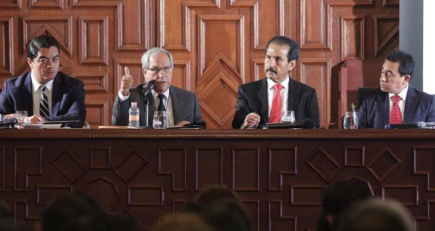 Educación, llave del progreso, afirma Cárdenas ante CU de BUAP