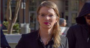 Ponen en libertad a exmilitar que filtró documentos a Wikileaks