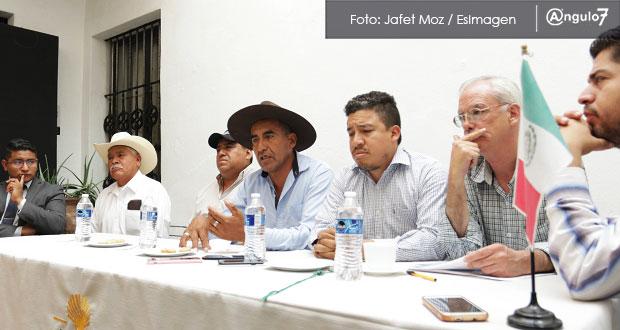 Ejidatarios de Chapulco acusan que parque eólico genera conflicto social