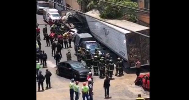 En CDMX, tráiler causa carambola con saldo de 4 muertos y 14 heridos