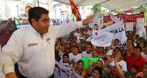 En Cuetzalan, Barbosa afirma que al año destinará 4,500 mdp al campo