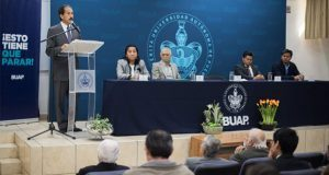Esparza inaugura congreso sobre arte y ciencia en torno a la luz
