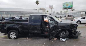 Estadounidense atropella a 5 personas en frontera con México