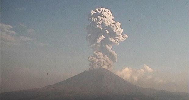 Explosión de Popocatépetl crea columna eruptiva de 3,500 metros: PC