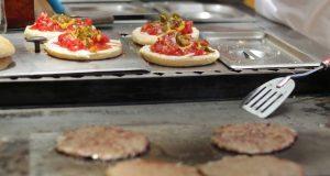 En su día, ¿sabes cuál es el origen de la hamburguesa?