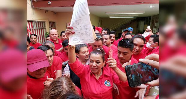 Isabel Romero registra candidatura para dirigir sección 1 del Sntss