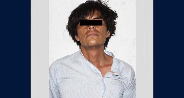 Policía municipal detiene a sujeto por robar computadora en Analco