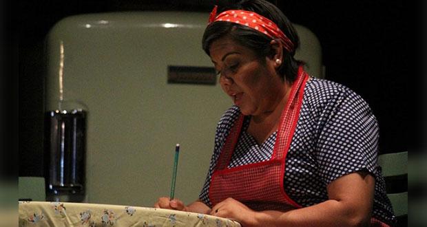 Poblanos participan en taller cultural de teatro en Michoacán
