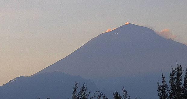 Popocatépetl registra 51 exhalaciones con agua, gas y ceniza: PC