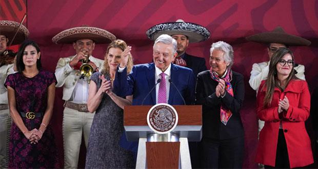 Presidente-Andres-Manuel-Lopez-Obrador-dia-de-las-madres