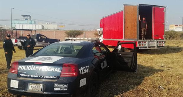 Roban camión de Café Tacvba y lo dejan vacío en Huixcolotla