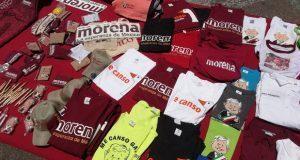 Aprovechan cierre de campaña para vender souvenirs de Morena y AMLO