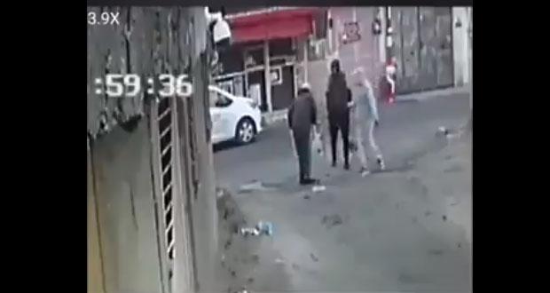 En Tlalpan, captan asalto a hombre que camina con andadera