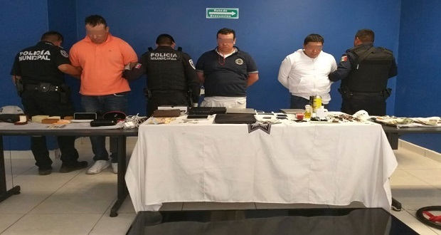 Policía de San Andrés Cholula detiene a 3 por robo a casa habitación