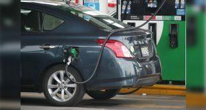 Exhiben a 8 gasolineras de 5 estados por no vender litros de a litro