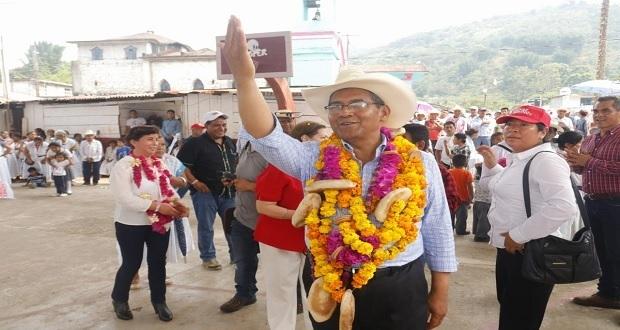 Jiménez Merino propone red de agua potable y drenaje en Cuetzalan