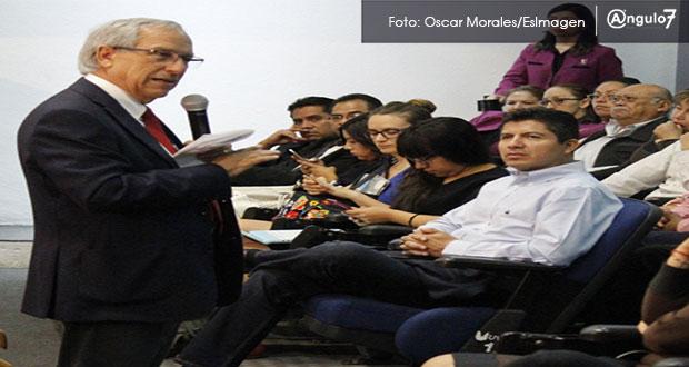 Eduardo Rivera hace campaña con Cárdenas; da volantes y lo acompaña a eventos