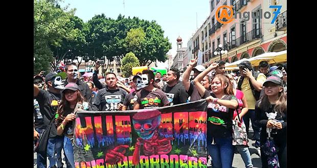 Con marcha, poblanos piden poder realizar bailes sonideros en vía pública