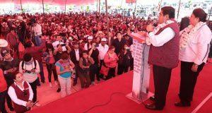 Barbosa promete que pedirá a director del IMSS agilizar obra de San Alejandro