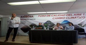 Sólo 17% de vehículos cumplen verificación por falta de centros: Montemayor