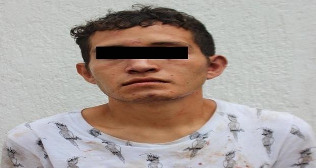 En colonia Amalucan, detienen a hombre por robo a transporte público. Foto: Especial