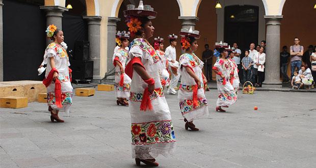 Antorcha presenta baile y poesía en la Casa de Cultura de Puebla