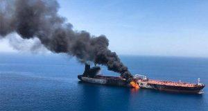 Atacan a dos buques petroleros en Golfo Pérsico; Trump culpa a Irán