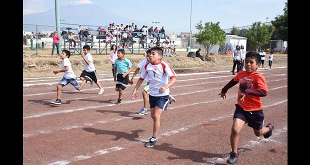 Atlixquenses logran pase a concurso antorchista de atletismo