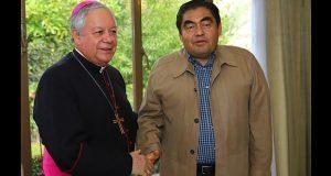 Barbosa se reúne con arzobispo de Puebla y acuerdan colaboración